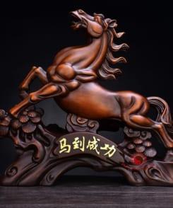ngựa phong thủy mã đáo thành công 1