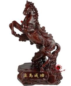 tượng ngựa phong thủy chiêu tài cao 61cm 3
