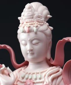 tượng sứ mẹ quan âm ngồi tòa sen hồng 2