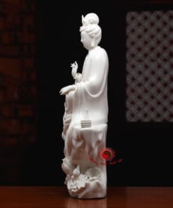 tượng sứ ngài quan thế âm tự tại 3