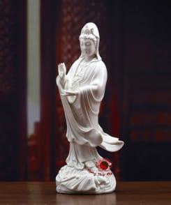tượng bồ tát quan âm đứng bằng sứ trắng 4