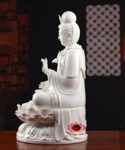 tượng thờ phật bà đại thế chí màu trắng 3