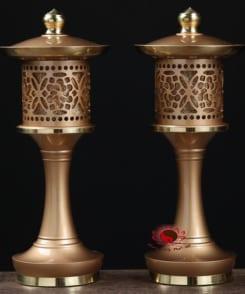 đèn thờ cúng gia tiên bằng đồng 8